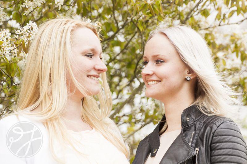 Zussen - Denise en Sharon 5