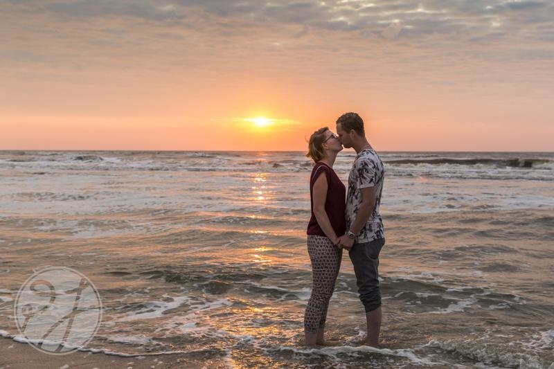 Romantische loveshoot bij zonsondergang 7